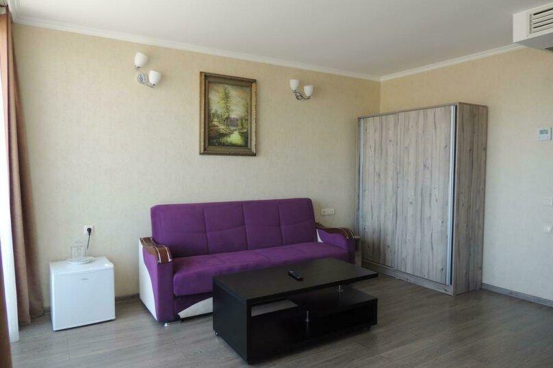 Двухместный номер Делюкс с 1 кроватью и балконом , улица Гуриели, 24А, Батуми - Фотография 1