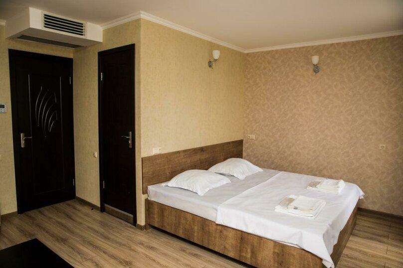 Двухместный номер Делюкс с 1 кроватью и балконом , улица Гуриели, 24А, Батуми - Фотография 5