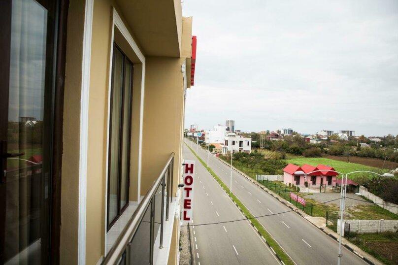 Двухместный номер Делюкс с 1 кроватью и балконом , улица Гуриели, 24А, Батуми - Фотография 10