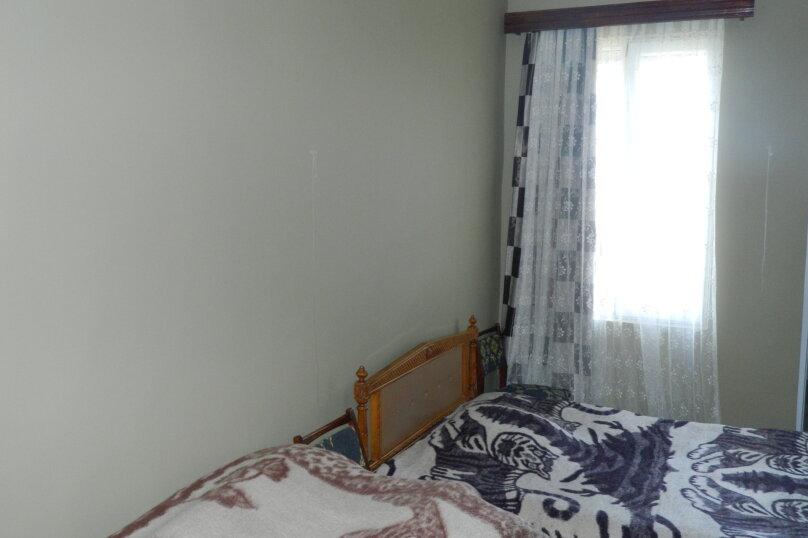 """Гостевой дом """"На Мемед Абашидзе 76"""", Кобулети, ул. Мемед Абашидзе на 5 комнат - Фотография 5"""