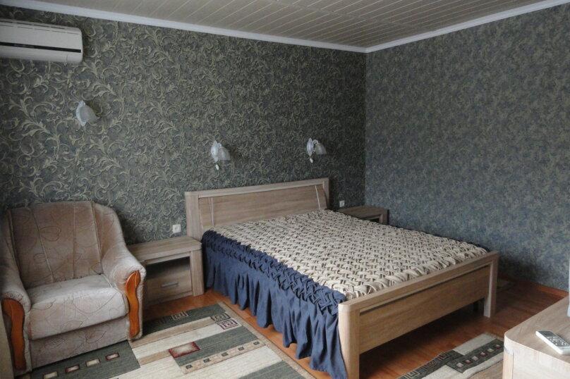 Отдельно стоящее здание 2 этаж Двухкомнатный  номер с кухней. , Ленина, 89, Коктебель - Фотография 1