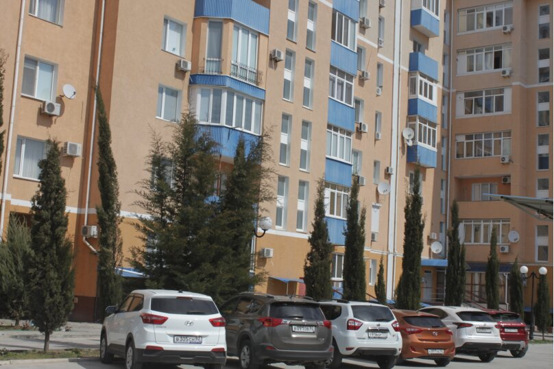 2-комн. квартира, 80 кв.м. на 6 человек, проспект Ленина, 49, Евпатория - Фотография 1