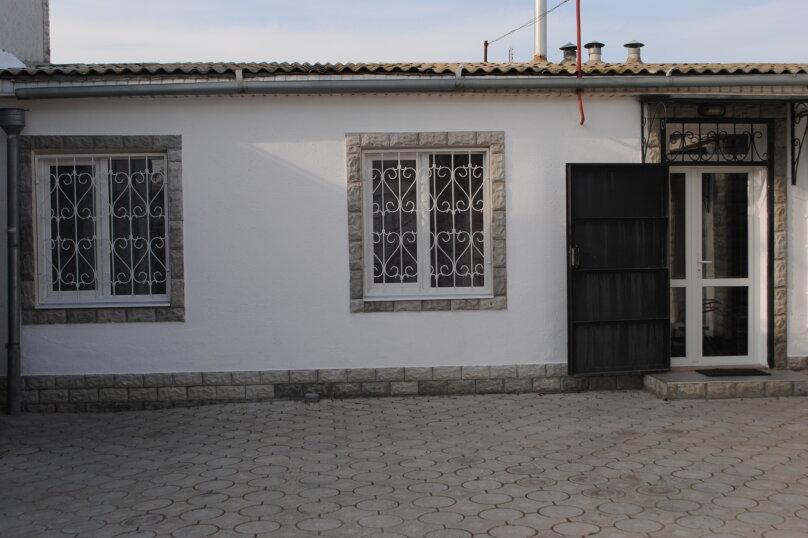 Дом, 60 кв.м. на 7 человек, 3 спальни, улица Рылеева, 6, Евпатория - Фотография 1