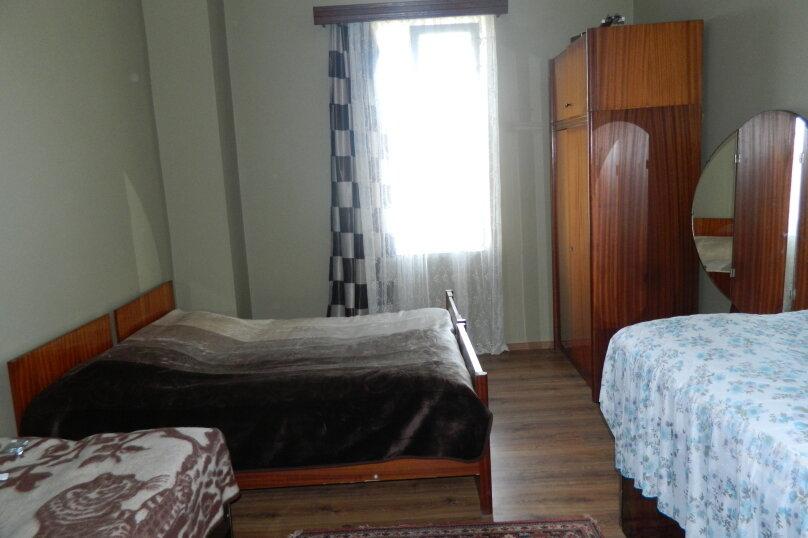 """Гостевой дом """"На Мемед Абашидзе 76"""", Кобулети, ул. Мемед Абашидзе на 5 комнат - Фотография 14"""