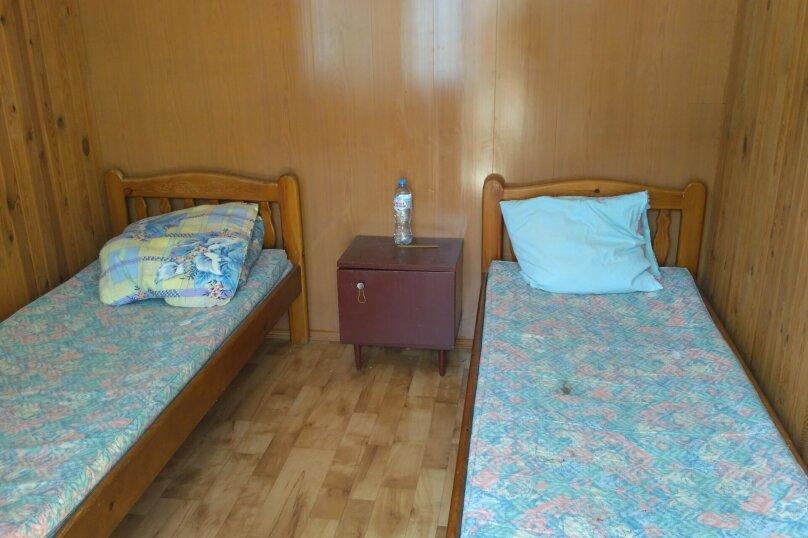Двухместный с двумя кроватями, Больничная, 12, Малореченское - Фотография 1