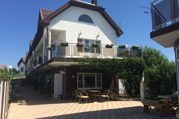 Гостевой дом, Пограничный переулок, 33А на 10 комнат - Фотография 1