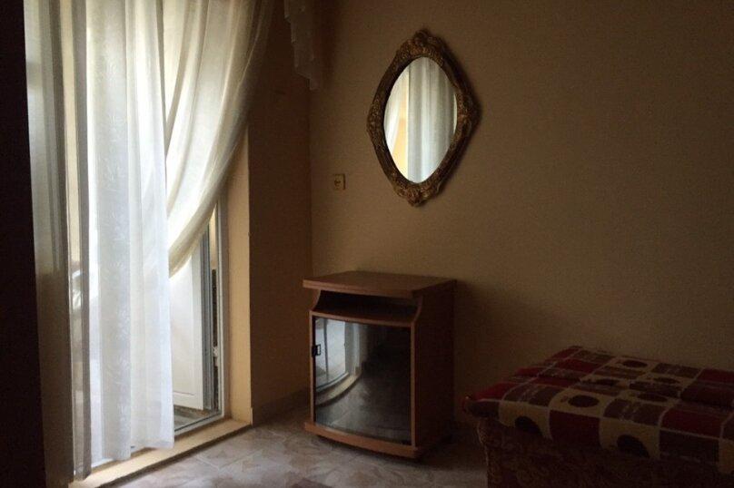 Гостевой дом, улица Айвазовского, 11 на 15 комнат - Фотография 19