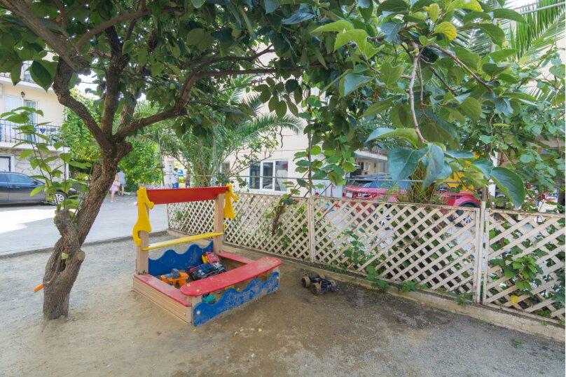 """Гостевой дом """"Грант"""", Нижнеимеретинская улица, 159 на 22 комнаты - Фотография 3"""