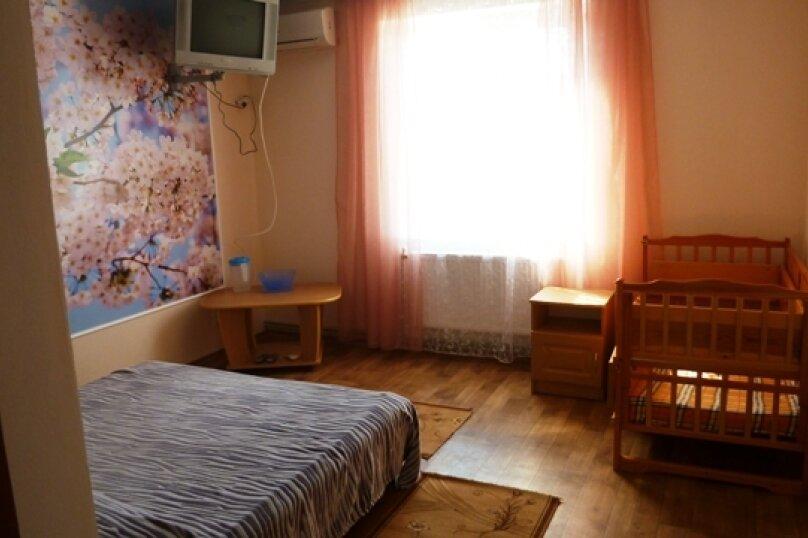 """Гостевой дом """"Лукулл"""", улица Комарова, 121А на 9 комнат - Фотография 35"""