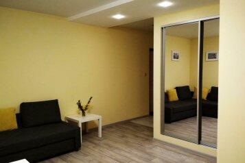 1-комн. квартира, 36 кв.м. на 3 человека, улица Симонок, 55В, Севастополь - Фотография 1
