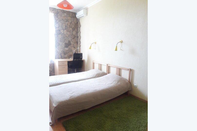 2-комн. квартира, 65 кв.м. на 6 человек, улица Сеченова, 18, Ялта - Фотография 2