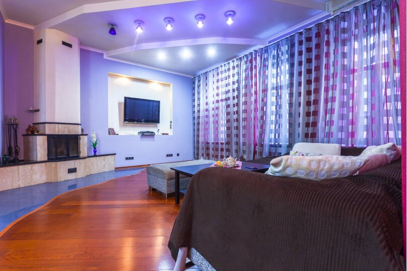 3-комн. квартира, 80 кв.м. на 8 человек, Басков переулок, 26, Санкт-Петербург - Фотография 1