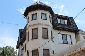 """Гостевой дом """"Лазурит Юг"""", улица Калараша, 4В на 15 комнат - Фотография 1"""