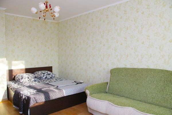 1-комн. квартира, 40 кв.м. на 5 человек, улица Мира, 15Б, Владимир - Фотография 1
