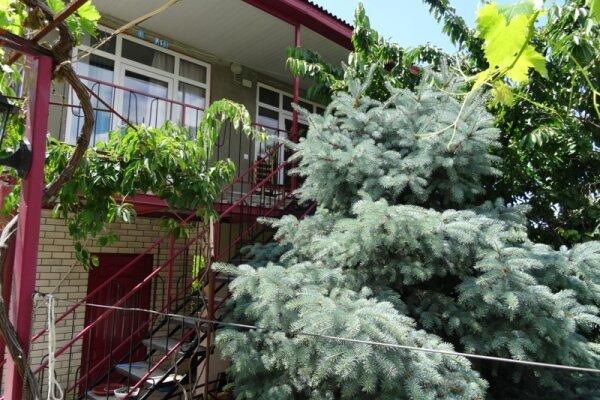 Гостевой дом , Квартал Жемчужный, 16 на 6 номеров - Фотография 1