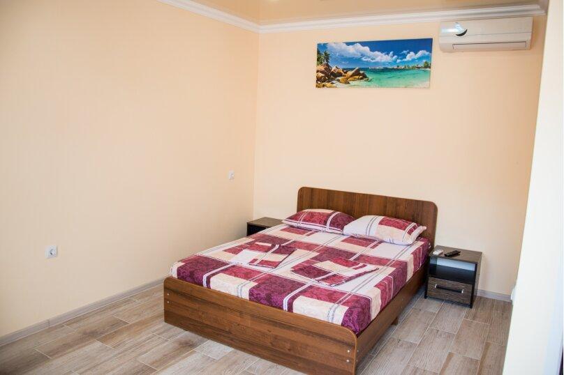 Номер Стандарт, 3-местный (2 основных + 1 доп), 1-комнатный №9, Революционная улица, 124, Кабардинка - Фотография 1