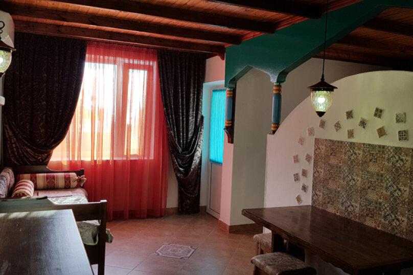 Однокомнатные апартаменты в восточном стиле с мини-кухней, Черноморское шоссе, 31, Межводное - Фотография 1