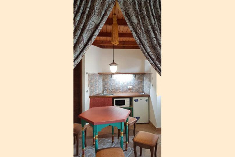 Двухкомнатные апартаменты в восточном стиле с мини-кухней, Черноморское шоссе, 31, Межводное - Фотография 3