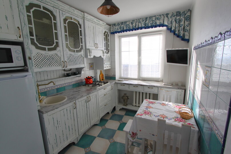 2-комн. квартира, 55 кв.м. на 4 человека, улица Бондаренко, 13, поселок Орджоникидзе, Феодосия - Фотография 12