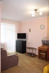 1-комн. квартира, 32 кв.м. на 4 человека, улица Лазарева, 78, Лазаревское - Фотография 1