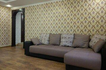 Этаж в гостевом доме, с отдельным входом, пос. Лавровое-2, Артековская на 1 номер - Фотография 2