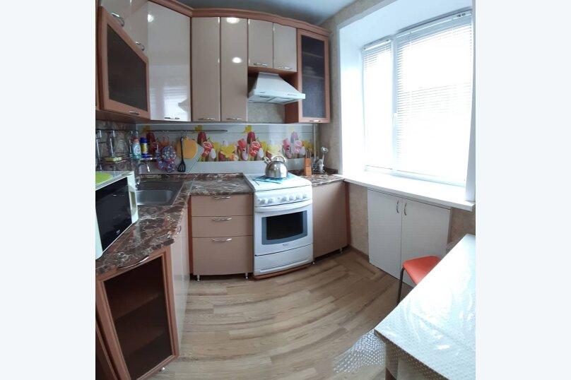 2-комн. квартира, 47 кв.м. на 4 человека, улица Чапаева, 8, Волгоград - Фотография 4