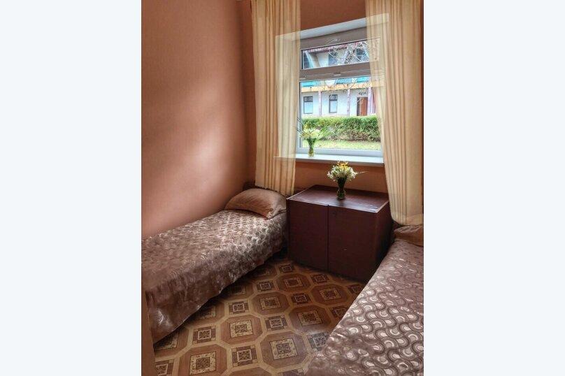 """Гостевой дом """"Морская"""", Набережная улица, 5 на 34 комнаты - Фотография 2"""