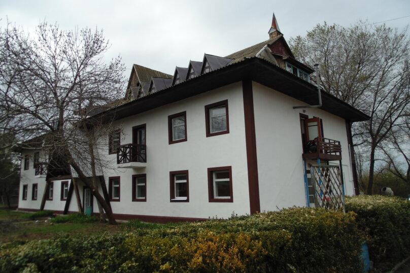 """Гостевой дом """"Морская"""", Набережная улица, 5 на 34 комнаты - Фотография 1"""