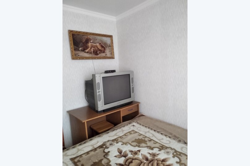 2-комн. квартира, 41 кв.м. на 6 человек, улица Димитрова, 10, Майкоп - Фотография 13