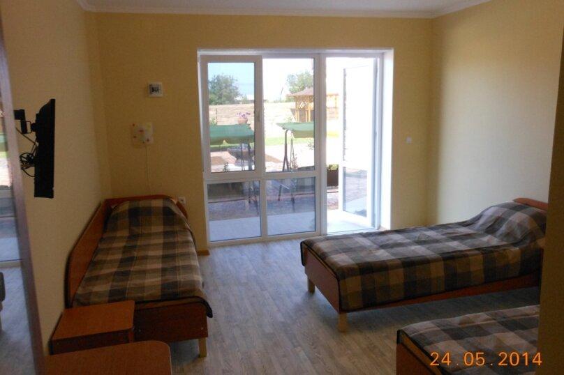 3-х местный номер (1) с тремя отдельными кроватями 1 этаж, Лесная улица, 18, Новофёдоровка, Саки - Фотография 2