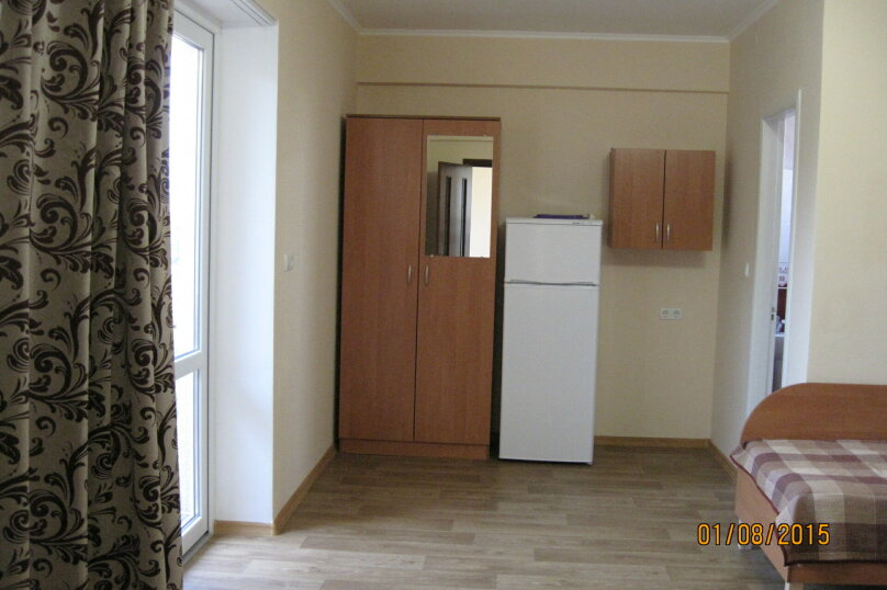 4-х местный семейный номер (7) 2 этаж, Лесная улица, 18, Новофёдоровка, Саки - Фотография 4