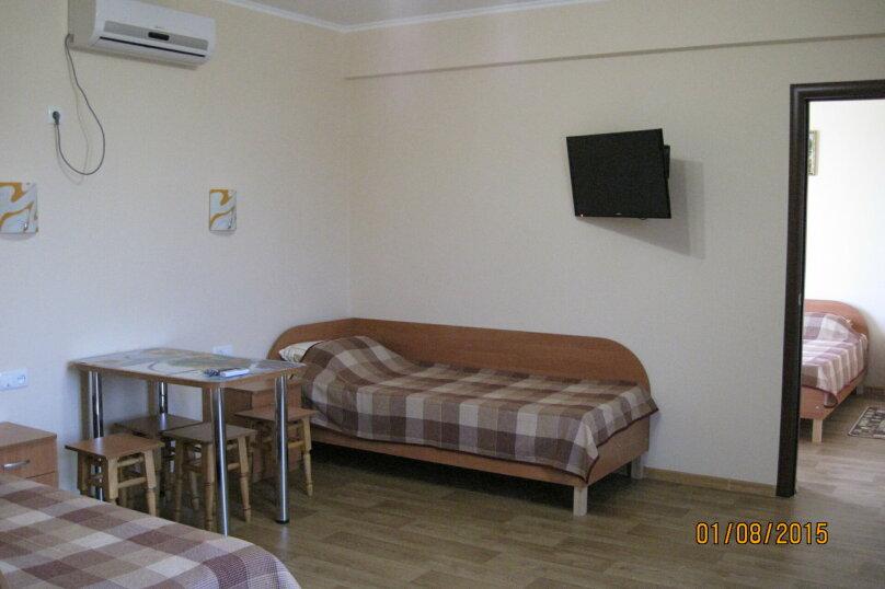 4-х местный семейный номер (7) 2 этаж, Лесная улица, 18, Новофёдоровка, Саки - Фотография 6