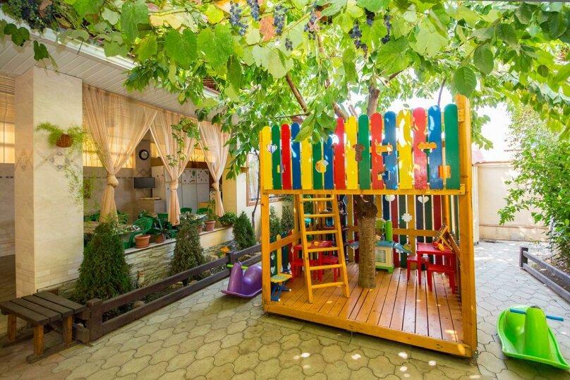 Гостевой дом У Любы, улица Лермонтова, 18 на 16 комнат - Фотография 8