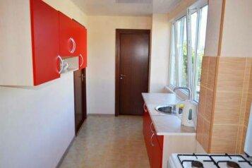 """2-х комнатный """"Комфорт"""" :  Квартира, 8-местный, 2-комнатный, Гостевой дом , Майкопская улица, 38 на 7 номеров - Фотография 3"""