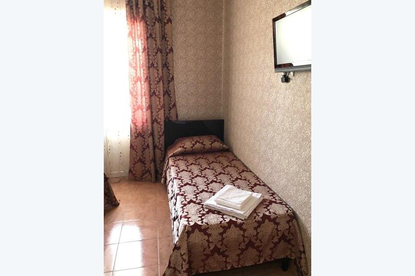 """Гостевой дом """"Анастасия"""", Средняя улица, 4А на 12 комнат - Фотография 9"""