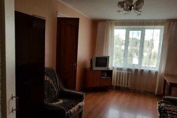 2-комн. квартира, 45 кв.м. на 4 человека, улица Победы, 10, Партенит - Фотография 1