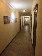 Отель, Восточная улица, 8 на 8 номеров - Фотография 2