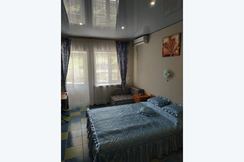 """Гостевой дом """"На Калинина 32"""", улица Калинина, 32 на 8 комнат - Фотография 43"""