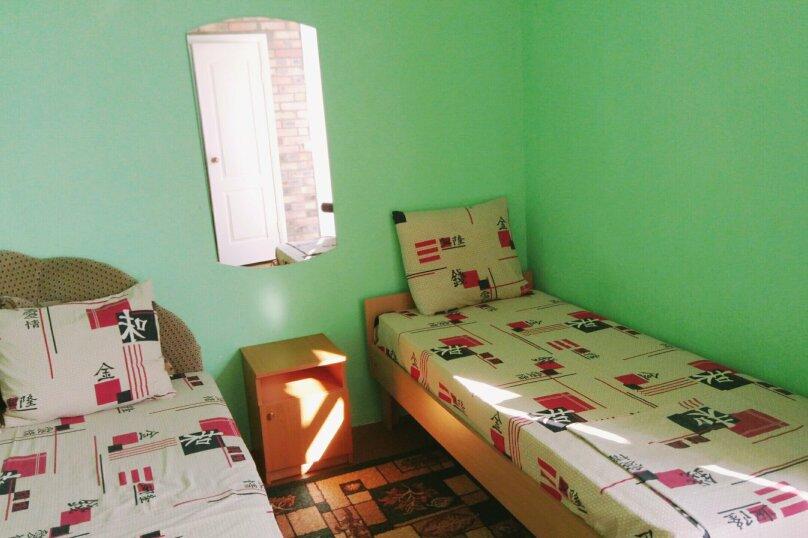 Гостевой дом , Интернациональная улица, 24 на 3 комнаты - Фотография 9