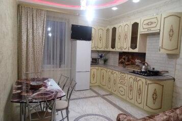 2-комн. квартира, 56 кв.м. на 6 человек, Коммунальная улица, 9, Судак - Фотография 1