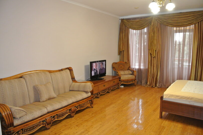 Апартаменты-студия +(DBL + ЕХВ), набережная имени Ленина, 13, Ялта - Фотография 11