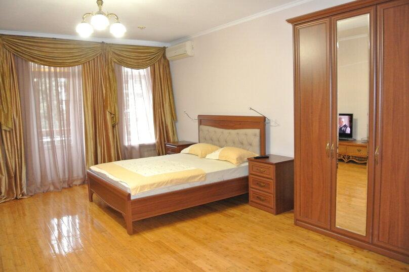 Апартаменты-студия +(DBL + ЕХВ), набережная имени Ленина, 13, Ялта - Фотография 12