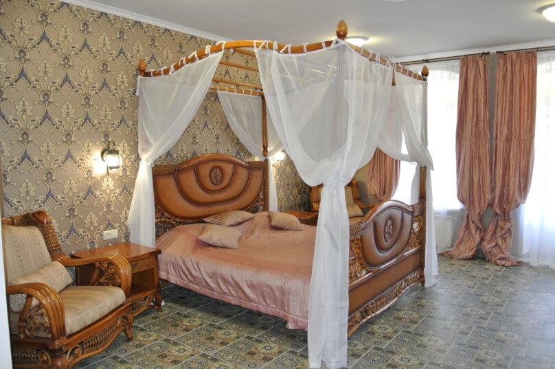 Апартаменты-студия +(DBL + ЕХВ), набережная имени Ленина, 13, Ялта - Фотография 1