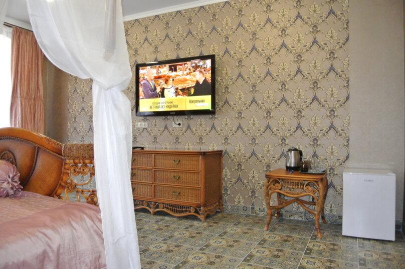 Апартаменты-студия +(DBL + ЕХВ), набережная имени Ленина, 13, Ялта - Фотография 16