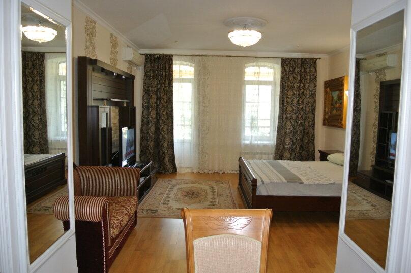 Апартаменты-студия +(DBL + ЕХВ), набережная имени Ленина, 13, Ялта - Фотография 22