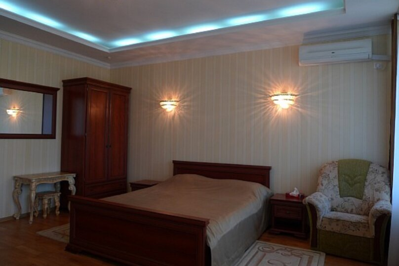 Апартаменты-студия +(DBL + ЕХВ), набережная имени Ленина, 13, Ялта - Фотография 25