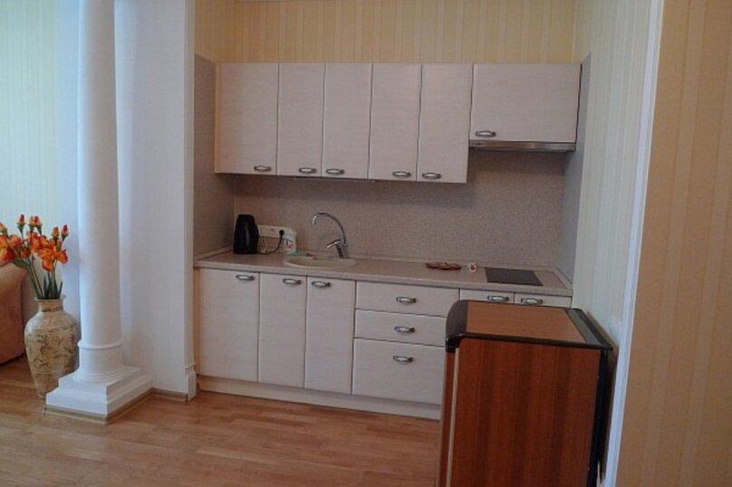 Апартаменты-студия +(DBL + ЕХВ), набережная имени Ленина, 13, Ялта - Фотография 27