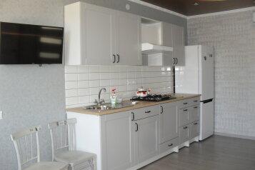 3-комн. квартира, 45 кв.м. на 7 человек, Южная улица, 25, Витязево - Фотография 1