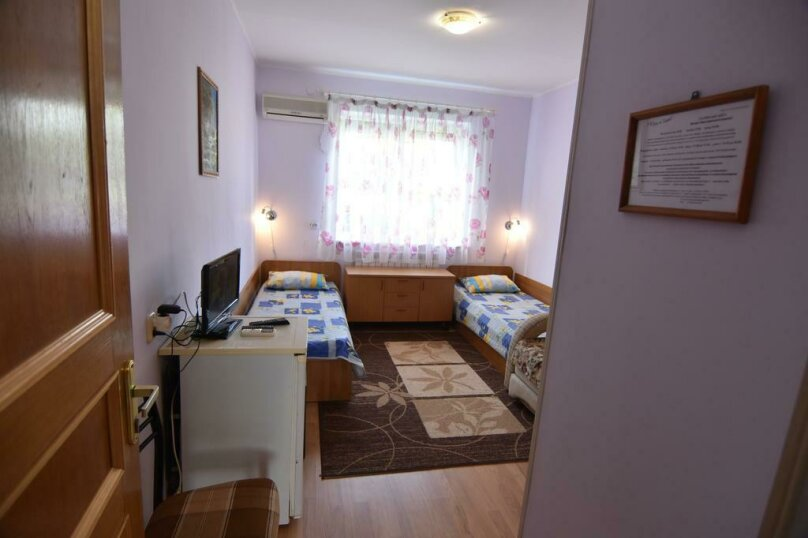 Стандартная двухместная комната с 2 отдельными кроватями, Курортный переулок, 5, Архипо-Осиповка - Фотография 1