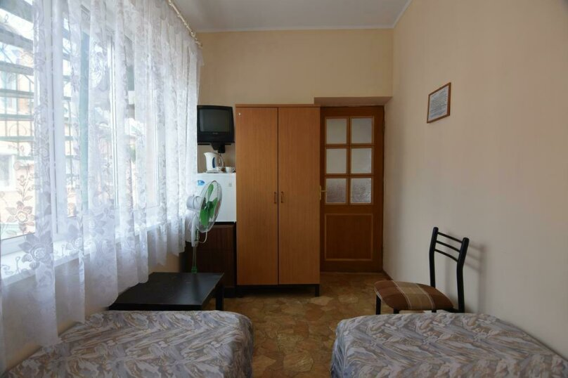 """Гостевой дом """"Уют"""", Курортный переулок, 5 на 24 комнаты - Фотография 37"""